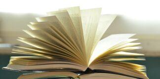 zakładki w książce